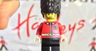 Hamleys LEGO Guardsman